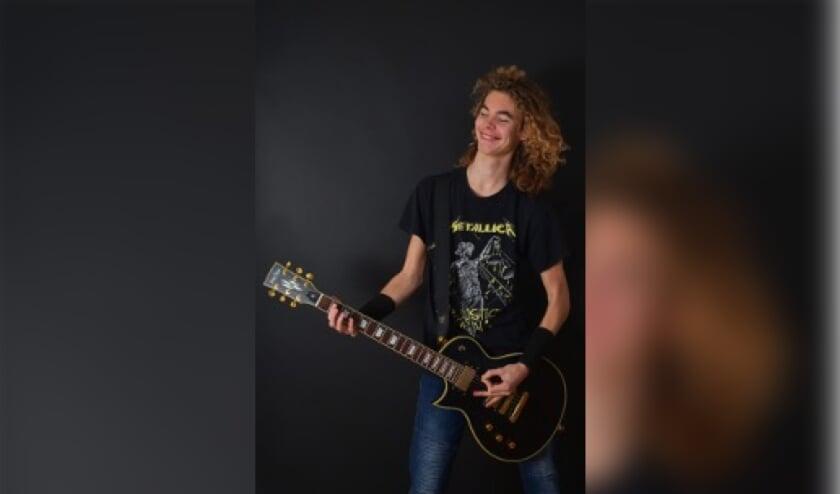 <p>Nick organiseert een online muzikaal evenement, om jongeren de gelegenheid te geven op te treden. (Foto: Erik Luigies)</p>