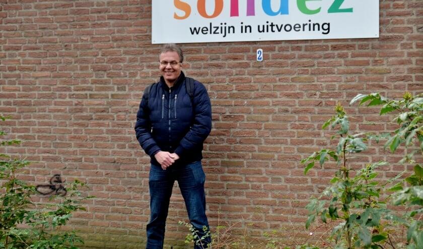 """<p>Harold Fieren: """"Het herstelcafé kan en wil een brug slaan tussen cliënt en hulpverlener"""" (foto Jan Boer)</p>"""