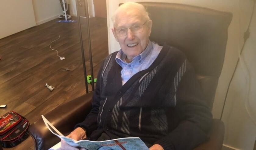"""<p>Meneer Van der Meijden (92): """"In de oorlog haalde je het niet in je hoofd om naar buiten te gaan. Dan werd je doodgeschoten. En nu gaan ze wel naar buiten en vernielen van alles.""""</p>"""