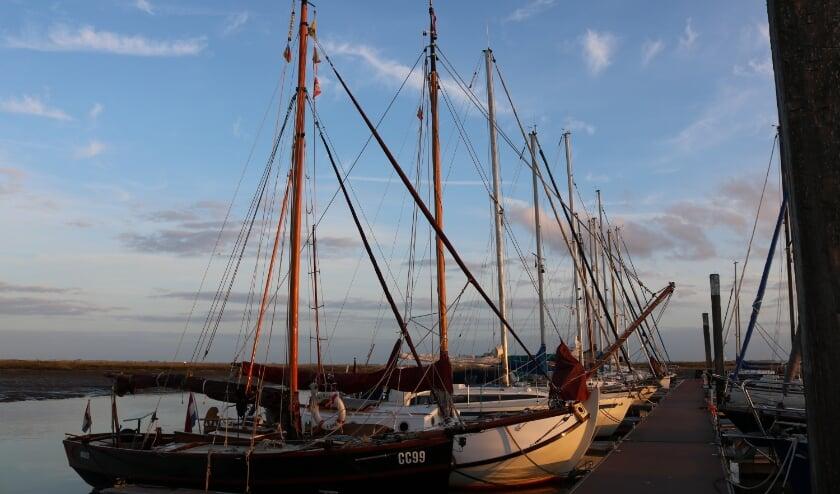 <p>De Cornish Crabber van Wilko Braam in de haven van Spiekeroog. (Foto: Wilko Braam)</p>