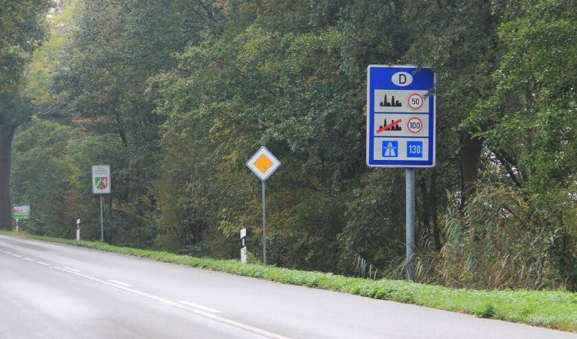 <p>Al bij de eerste steunpakketten kwamen kleine zelfstandigen die in Duitsland wonen en een bedrijf in Nederland hebben in de problemen.</p>