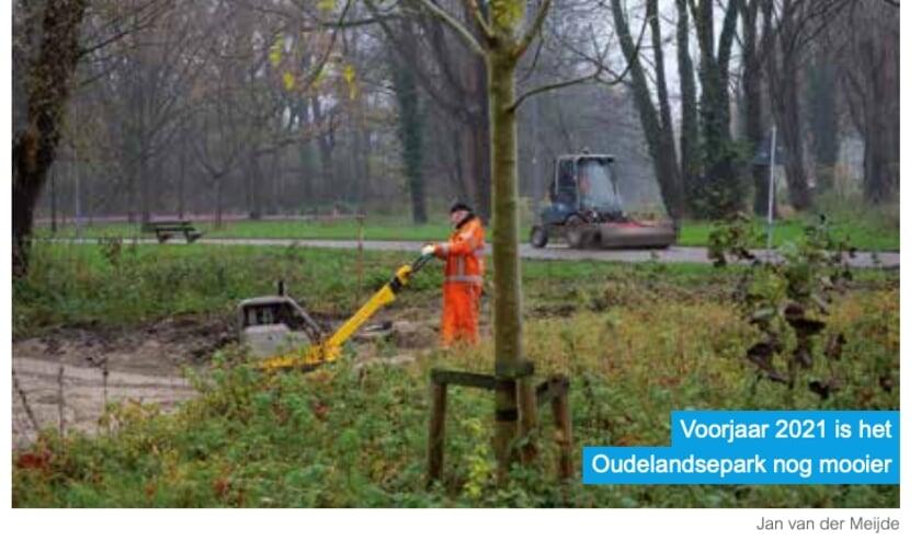 <p>Opknapbeurt van het Oudelandspark. Foto en Info: Gebiedscommissie</p>