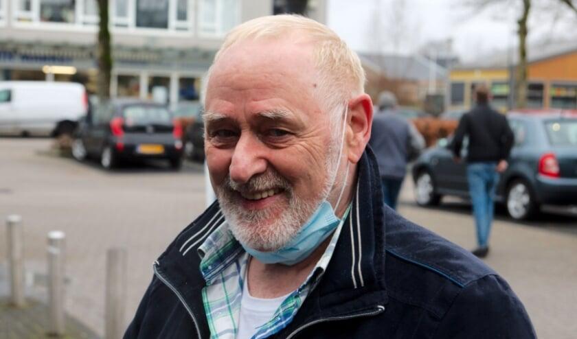 <p>Johan Smelik is zowel automobilist als motorrijder. Hij voelt zich niet onveilig in het Apeldoornse verkeer. &nbsp;&#39;&#39;In vijftig jaar geen brokken gemaakt...&#39;&#39; (foto: Gert Perdon)</p>