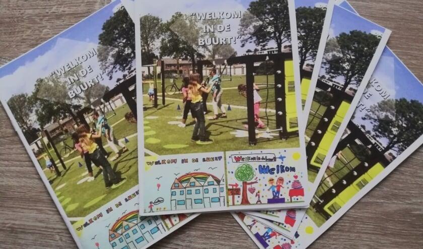 <p>De brochures Welkom in de buurt. (foto: Birgit Peelen)</p>