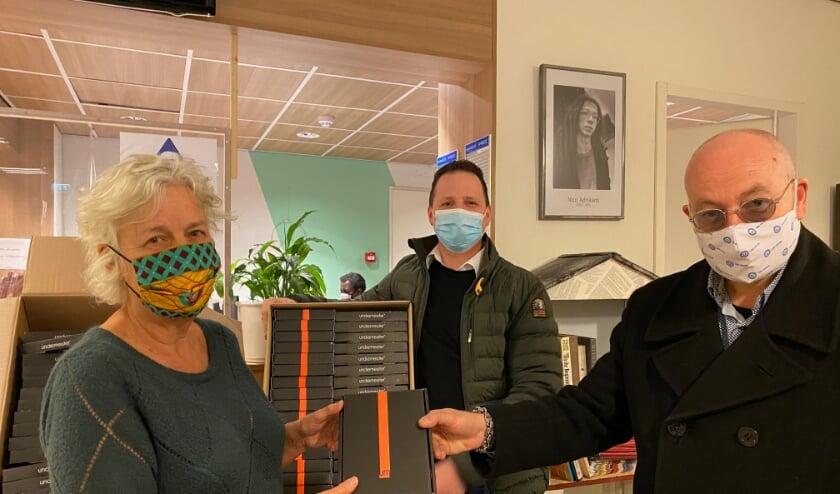 <p>Van links naar rechts Anita Schaaij (NAS), Jeroen Adriaans (Undiemeister) en Rik Vegter (Undiemeister).</p>