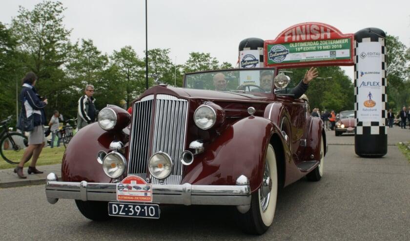 """<p>Kijk voor meer informatie of inschrijven op de website; <a href=""""https://www.oldtimerdagzoetermeer.nl/"""">https://www.oldtimerdagzoetermeer.nl/</a> Foto: Robbert Roos</p>"""