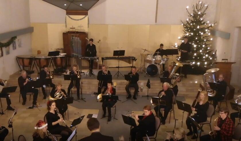 <p>Net voor de huidige lockdown heeft KHSC Kerkdriel met een orkest van 30 muzikanten kerstmuziek kunnen opnemen. Deze zijn gestreamd tijdens de dienst.</p>