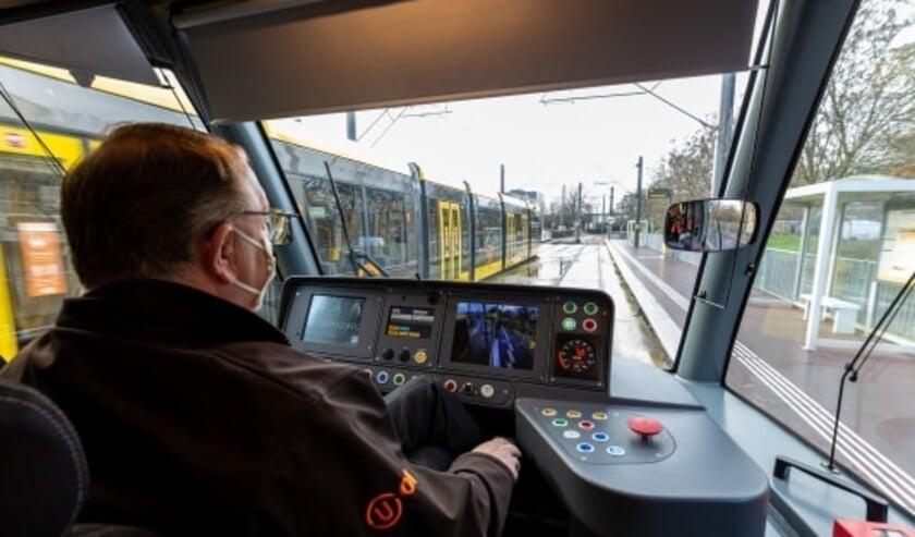 <p>Op de foto: een opleidingsrit met de nieuwe tram op lijn 60 in Nieuwegein. Foto: Rick Huisinga</p>
