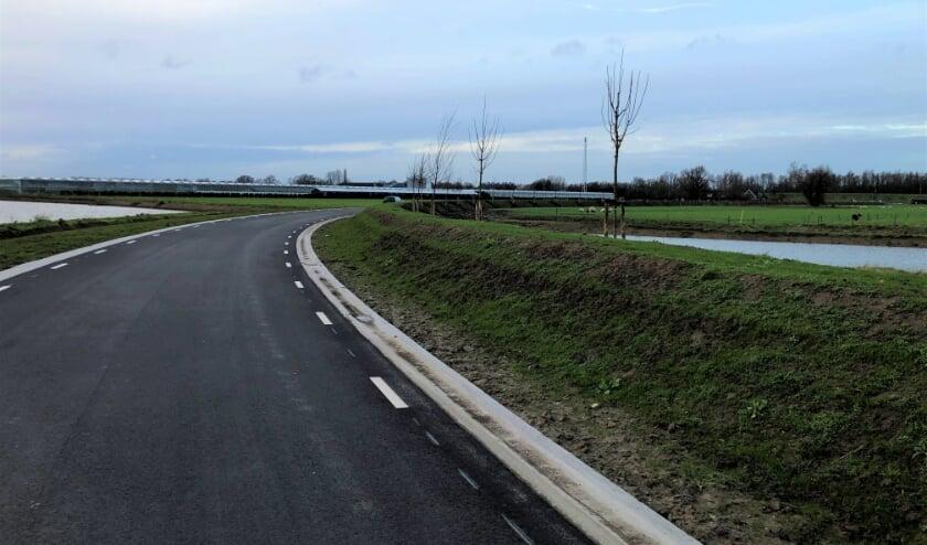 <p>De rondweg is helemaal klaar en in gebruik. Nieuw 'groen' is aangeplant.</p>