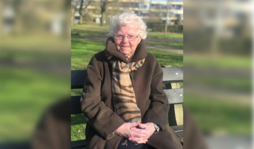 <p>Jo Stukker-Paalman uit Holten is honderd jaar geworden.</p>