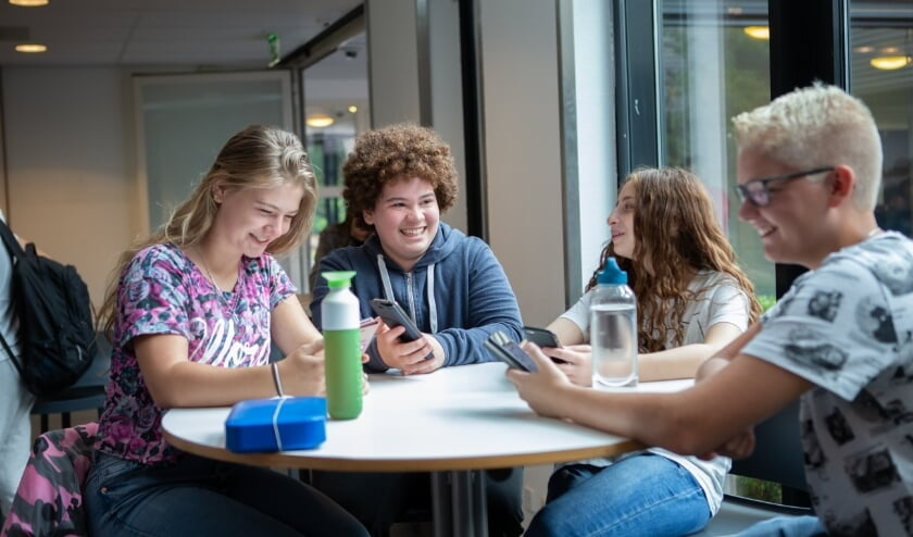 <p>Open dagen praktijkonderwijs Bonhoeffer College kunnen toch fysiek doorgaan.</p>