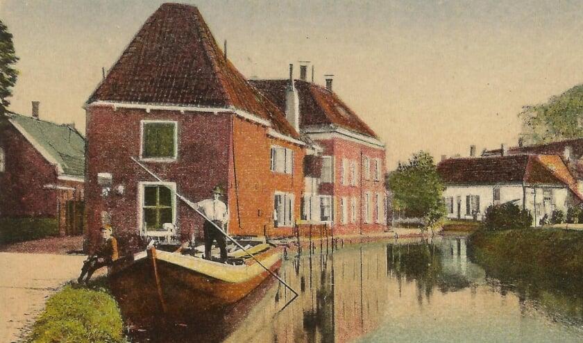 <p>Rivier de Linschoten en de Montfoortse Vaart waren eeuwenlang onmisbare waterwegen. Gerrit van Oudenallen maakte een presentatie voor de Vereniging Oud Linschoten. </p>