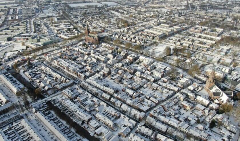 <p><strong>Binnenstad IJsselstein in de sneeuw. De foto is genomen met een drone.</strong></p>