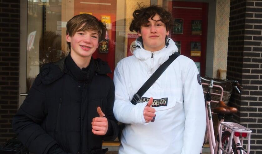 <p>Timo Haas (rechts): &#39;&#39;Dit jaar geef ik voor het eerst een Valentijnscadeau.&#39;&#39; Naast hem Ruben. (Foto:Gert Perdon)</p>