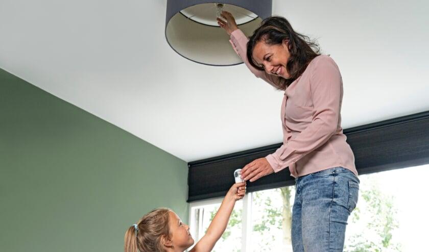 <p>Een halogeenlamp vervangen door een ledlamp &nbsp;zorgt voor 85 procent minder stroomverbruik.</p>