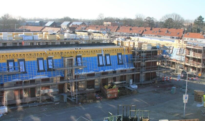 <p>Project van Bevelanden Wonen in Goes West. Hier komen nieuwbouw huur- en koopwoningen in de Naereboutstraat, Pasteurstraat en (foto)Willem Barentzstraat. FOTO: Leon Janssens</p>