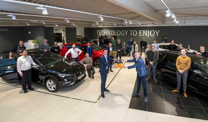 <p>Alle medewerkers van Van den Udenhout zijn natuurlijk trots op het predikaat de beste Seat-dealer van het jaar 2021 te zijn.</p>