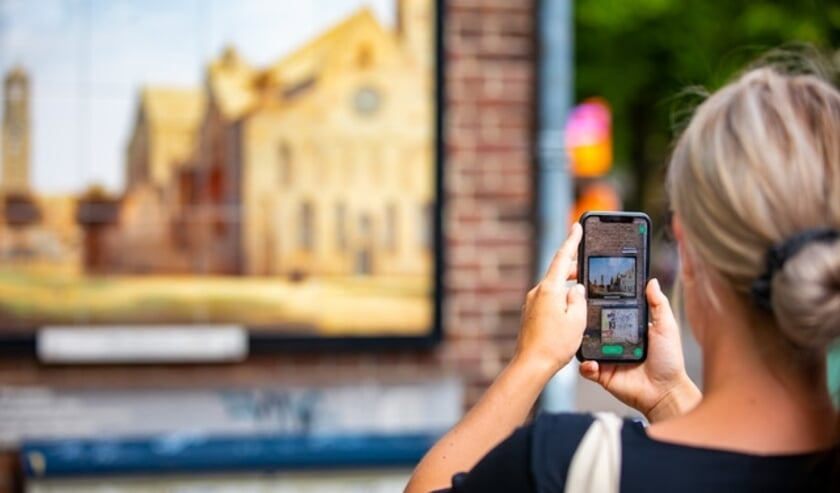 <p>Met de City Challenge app komt Den Haag tot leven. (Foto: Michiel Ton)</p>