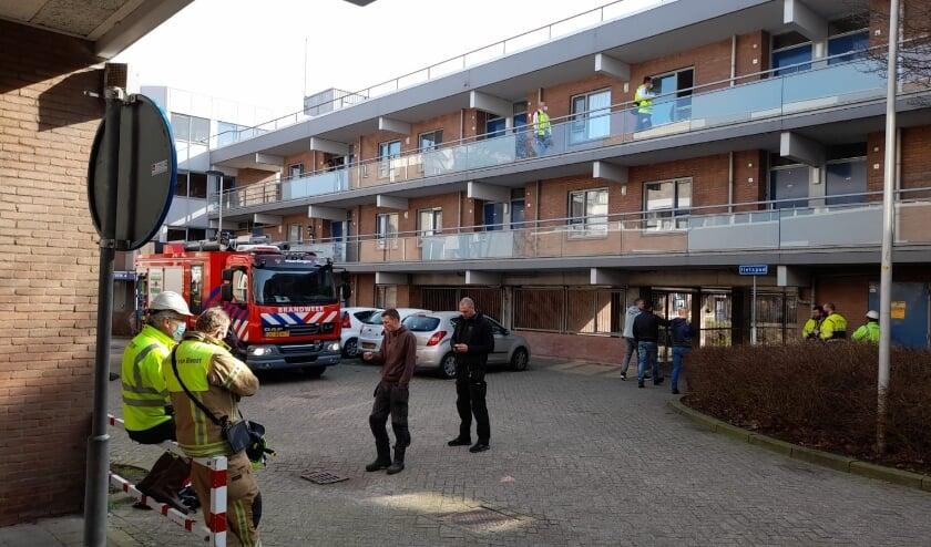 <p>Hulpverleners gingen van deur tot deur om de bewoners in te lichten en naar hun gezondheid te vragen.</p>