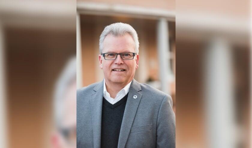 """Raadslid Dirk Getkate: """"Vanuit de samenleving bereiken ons signalen dat de eenzaamheid toeneemt."""" (Eigen foto)"""