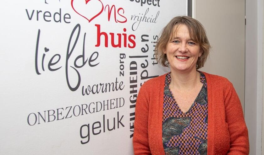 <p>Hilde van der Tuin. &#39;Bijzonder hoe verhalen kunnen bijdragen in de persoonlijke ontwikkeling.&#39; &nbsp;(Foto: Frans Paalman)</p>