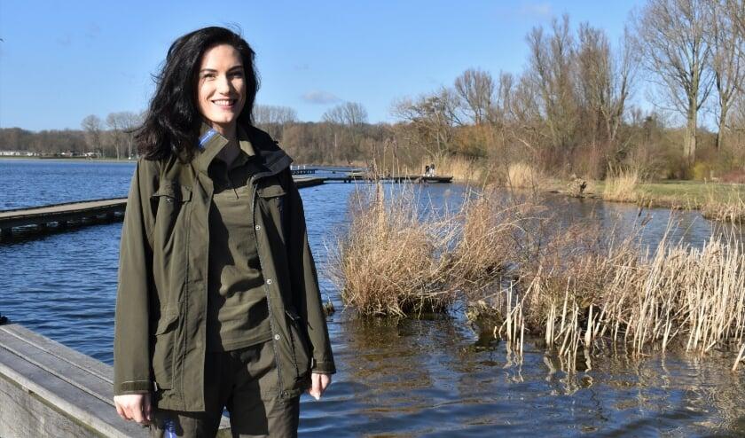 <p>Natascha Hokke werkt al tien jaar voor Natuurmonumenten in Rotterdam en de omgeving. Door haar werk heeft ze veel geleerd over de wereld om ons heen. &#39;Ik zie dingen in de natuur die ik eerst helemaal niet wist.&#39;</p>