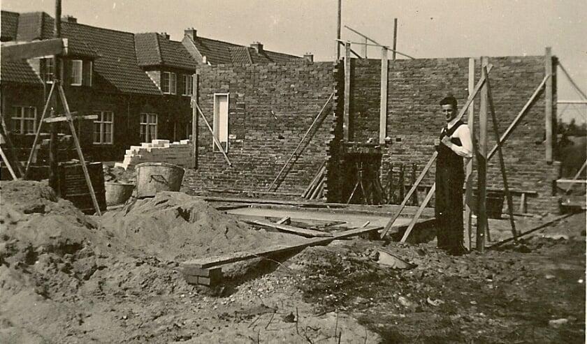 <p>Een momentopname uit de film Wederopbouw Horstlanden-Veldkamp.</p>