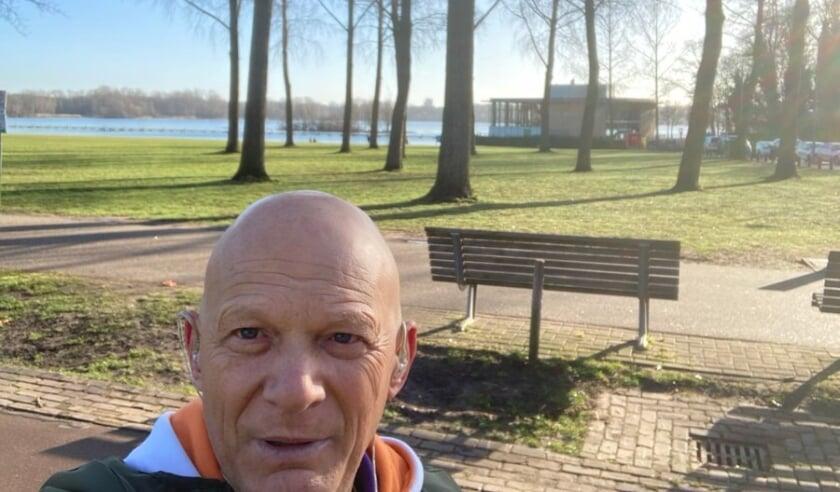 <p>Bert Wijbenga in het Kralingse Bos.</p>