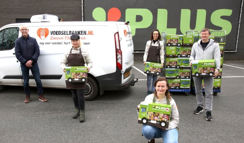 <p>Klanten van de PLUS in IJzendijke hebben samen met het team van de supermarkt voor blije gezichten gezorgd.&nbsp;</p>