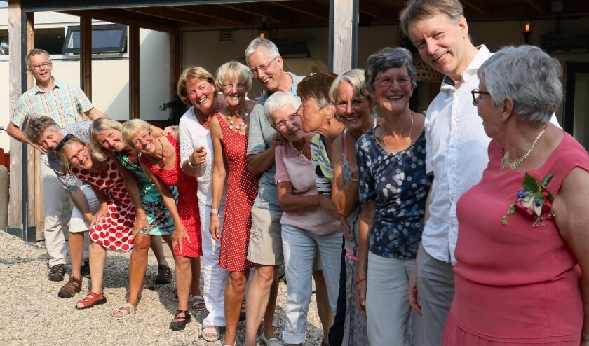 <p>Anneke (rechts), Ad, Marina, Wil, Gerda, Joke, Gerard, Corrie, Mieke, Trees, Teja, Bernadette, Frank en Cees.</p>