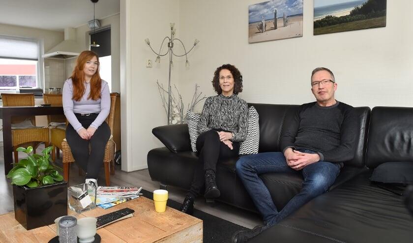 Wijke Hendriksen, Margreet van Erkelens en Pascal Hendriksen. (foto: Roel Kleinpenning)