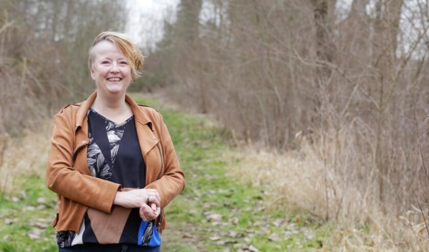 <p>Yolande Mollen, gemeenteraadslid voor het CDA. Zij doet een oproep aan werkloze 55-plussers om contact met haar op te nemen. Foto: Jurgen van Hoof.</p>