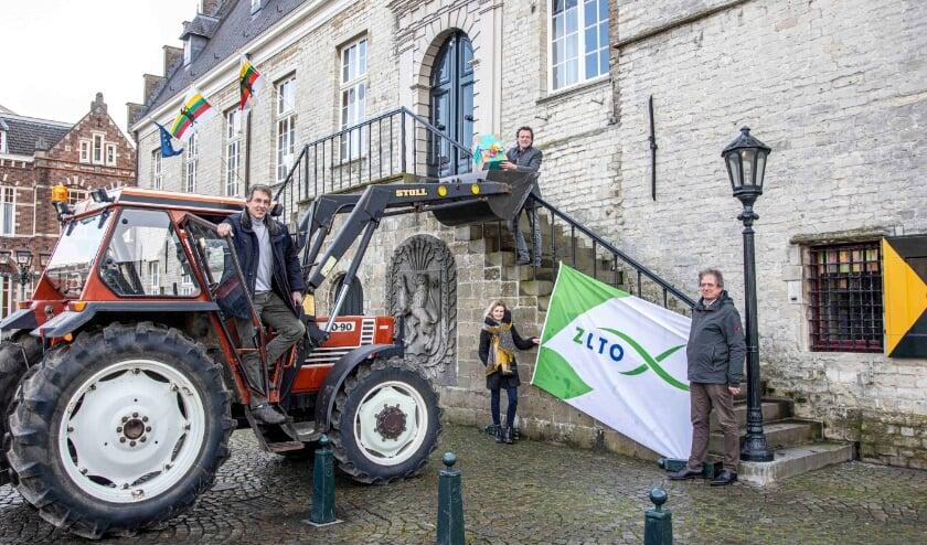 <p>ZLTO afdeling Hulst bracht hun landbouwvisie onder de aandacht van het gemeentebestuur.&nbsp;</p>