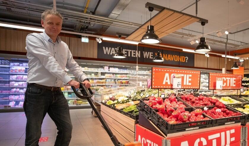 <p>Afgelopen zaterdag was Hans Vaar druk bezig met het leeghalen van zijn supermarkt.&nbsp;</p>