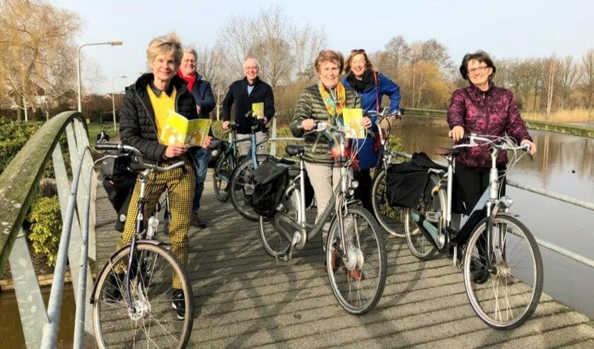 Deze mensen van de Culturele Raad Wierden en Historische Kring zijn  betrokken bij het maken van de route. (Eigen foto)
