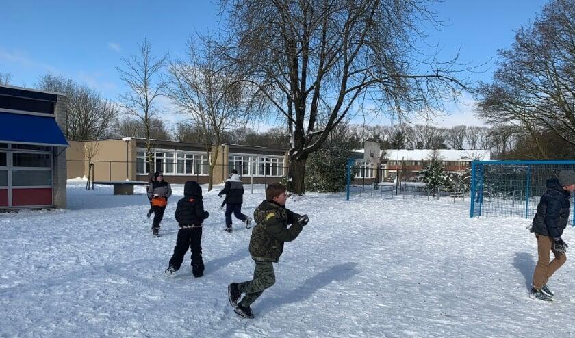 <p>Op de meeste scholen was er ook na maandag nog volop ruimte voor een flinke dosis sneeuwpret.</p>