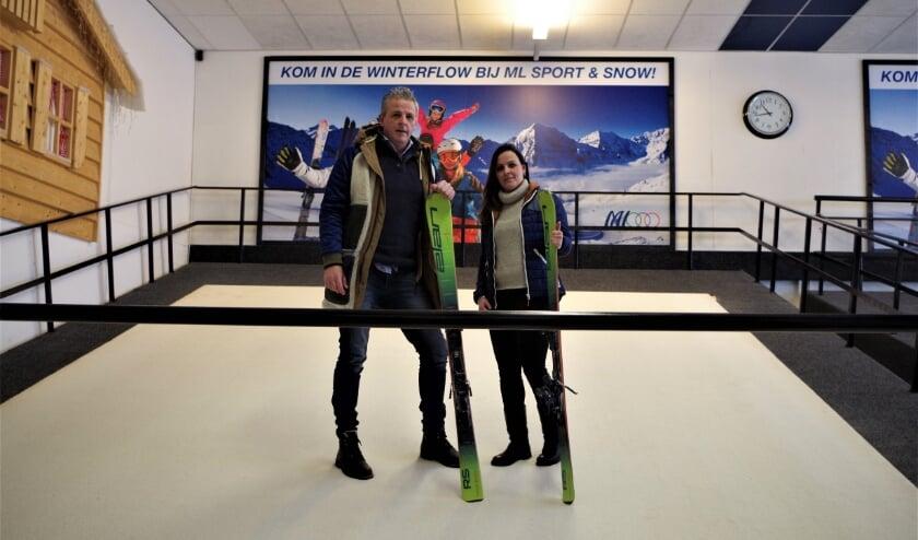 <p>Marco en Lieke zijn de eigenaren van ML Sport & Snowcenter. (Foto: Co Keulstra)</p>