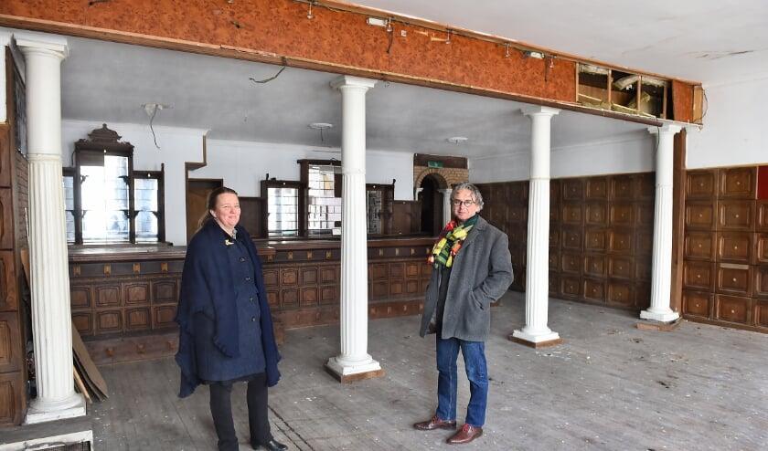 Wieneke en David van Hasselt zijn de nieuwe eigenaars van de JOY.  (foto: Roel Kleinpenning)