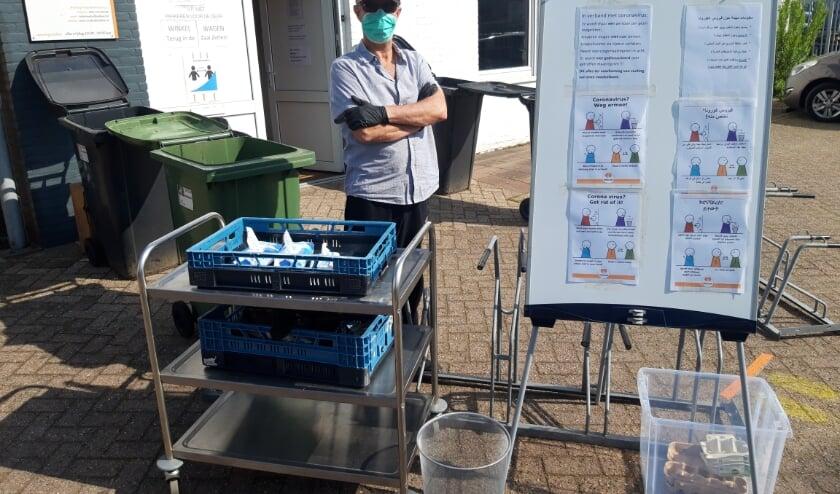 <p>De vrijwilligers van voedselbank Best doen er alles aan met de cli&euml;nten op een veilige manier te kunnen blijven helpen.&nbsp;</p>