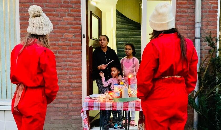 <p>De foto&#39;s voor de expositie werden deze winter gemaakt, onder meer tijdens de bezoekjes van de Pop Up Pancake girls. Zij verrasten wijkbewoners met een pannenkoek, een gesprekje en live muziek.</p>