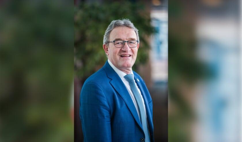 <p>Wethouder Jan Aanstoot wil een zorgvuldige afweging van de windmolenplannen.</p>