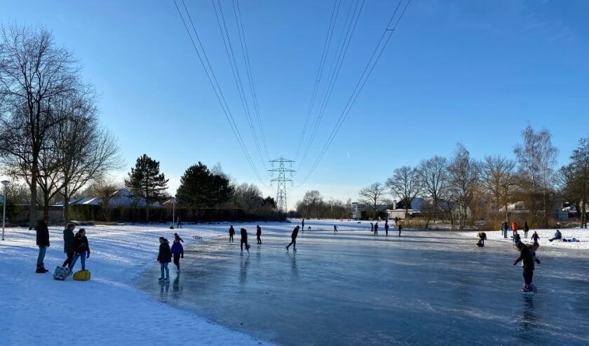 Een prachtig schaatsweekend in het Wilhelminapark in Best. Foto: Frank Vorstenbosch