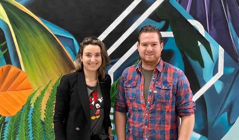 <p>Dominic Graat en Inge Manders vormen niet alleen het gepassioneerde Veldhovense DJ-duo Carte Blanq, maar hebben ook een passie voor persoonlijke ontwikkeling. FOTO: Graat.</p>