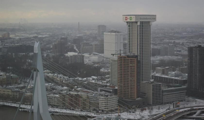De Zalmhaventoren gefotografeerd vanuit de Maastoren. Vorige week, nu is ie alweer hoger natuurlijk.