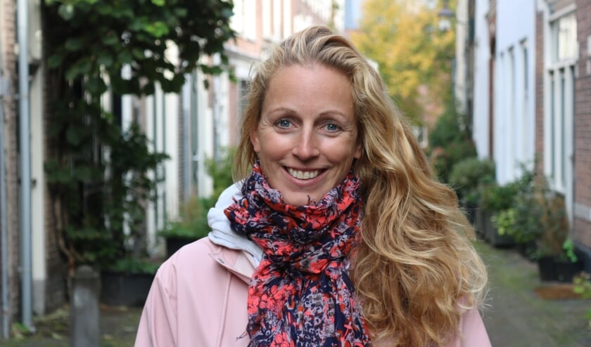 <p>Marieke van Duijn van de PvdA is begonnen met haar 1000 kilometer lange fietstocht. Foto: Sanneke Bolderheij&nbsp;</p>