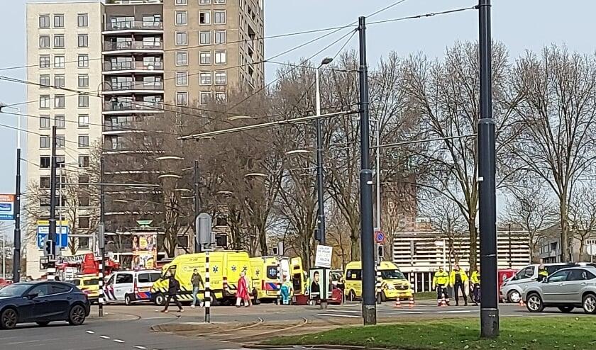 <p>Veel ambulances op het Oostplein.</p>