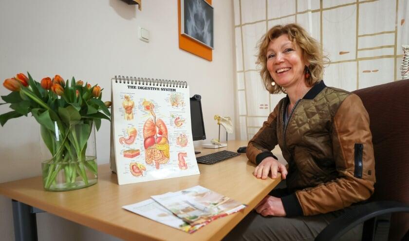 <p>Yvonne van de Ven is een leefstijlcoach en houdt zich bezig met gezond en lekker eten. FOTO: Bert Jansen.</p>
