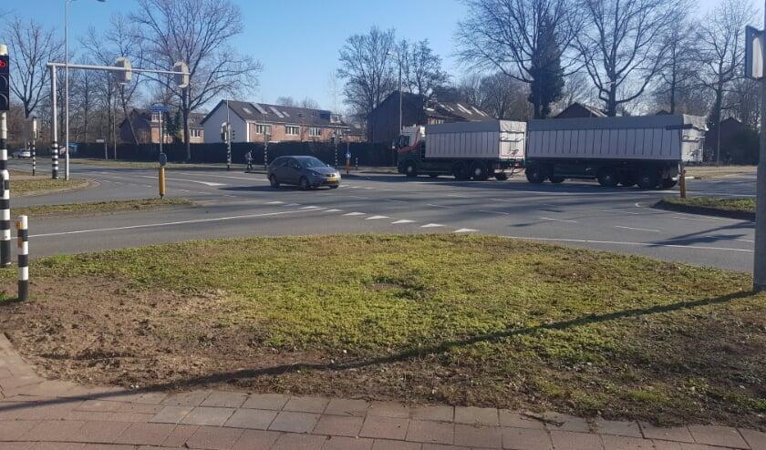 De bewoners zijn verbaasd dat er opeens budget is voor een ongelijkvloerse kruising bij de Churchillweg en de Bornsesteeg. (foto: Kees Stap)