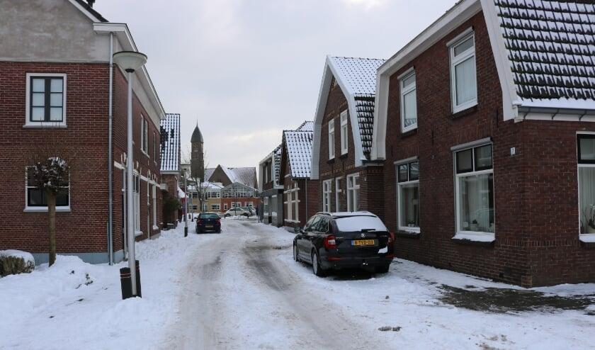<p>De Westerstraat in wintertooi, een van de best geconserveerde straten van oud-Rijssen.</p>