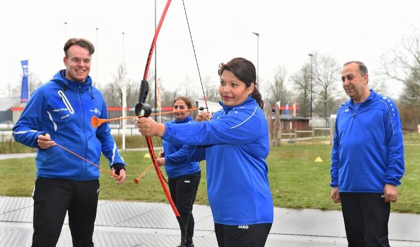 <p>Vlnr Tiemco Tap (Opleiding sport en bewegen Graafschap college leerjaar 4), Gulnar Gill, Hanif Sheikho en Najagen Mohamed.</p>